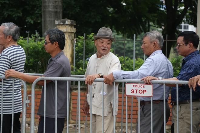 Phe vé ráo riết chèo kéo thương binh bán lại vé trận Việt Nam - Malaysia giá 1,5 triệu đồng/vé - Ảnh 6.