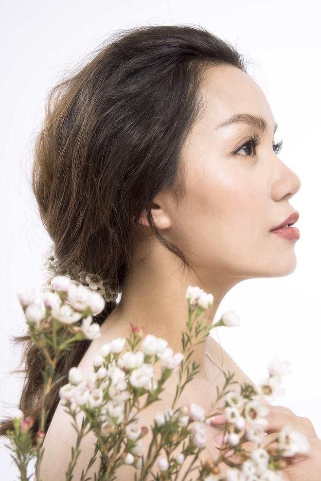 Ca sĩ Ngọc Anh ra mắt ca khúc Yêu và cứ yêu đúng ngày đầy tháng con gái - Ảnh 2.