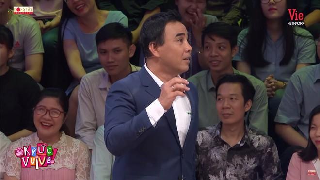 Quyền Linh bất ngờ thay thế Tự Long, MC Lại Văn Sâm: Chỉ có Quyền Linh mới xứng đáng ngồi ở đây - Ảnh 3.