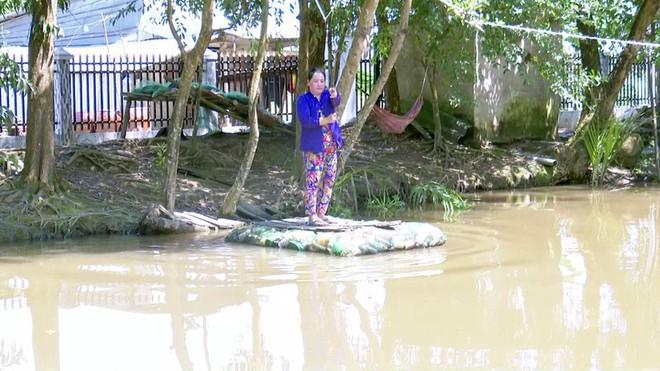 Độc đáo bè qua sông làm bằng vỏ chai thuốc bảo vệ thực vật - Ảnh 8.