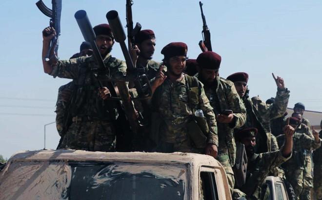 """""""Giội nước lạnh"""" đề xuất của Nga, Syria bỏ mặc người Kurd trước quân Thổ: Không đối thoại với kẻ phản bội"""