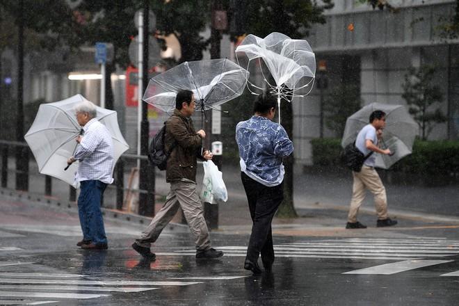 Siêu bão Hagibis mạnh nhất thế kỷ 21 đổ bộ châu Á: Nhìn lại siêu bão quái vật làm hàng nghìn người thiệt mạng - Ảnh 2.