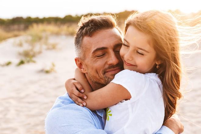 Con gái chết chưa lâu đã về báo mộng, cha sững sờ trước lời con nói rồi làm ngay 1 việc - Ảnh 1.
