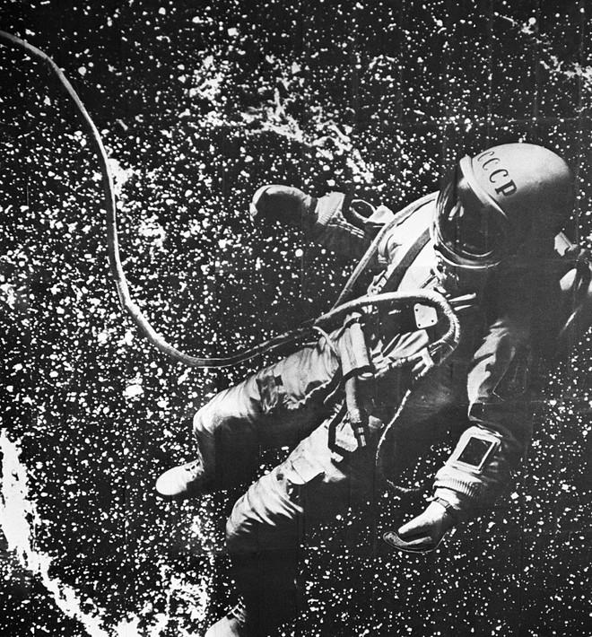 Thế giới tiễn biệt Anh hùng Liên Xô Alexei Leonov: Người đầu tiên trong lịch sử đi bộ ngoài không gian - Ảnh 3.