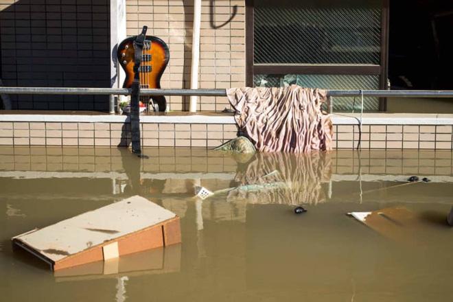 Gió bão hủy diệt giáng xuống Tokyo vẫn không thể quật ngã công trình cao nhất Nhật Bản này! - ảnh 9