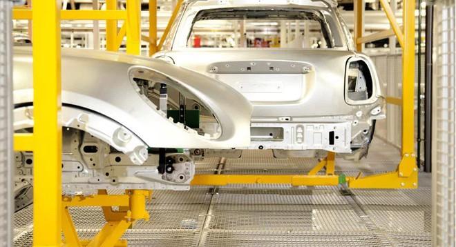 Bên trong nhà máy sản xuất xe hơi của BMW - Ảnh 7.