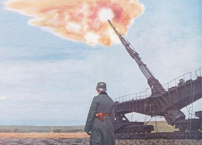 Khám phá siêu pháo cực 'dị' của Đức nặng tới 256 tấn, tầm bắn 130km - ảnh 1