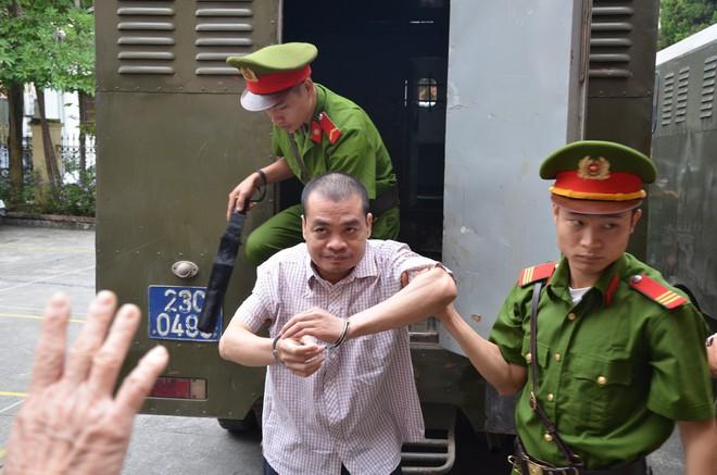 Xử vụ gian lận thi cử ở Hà Giang: Tiết lộ danh tính Lão phật gia - Ảnh 10.