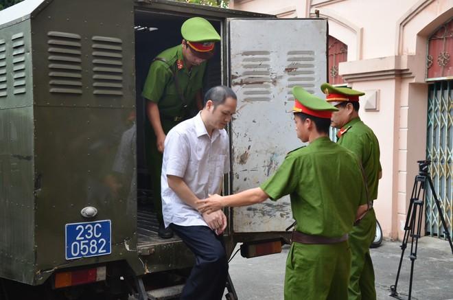 Xử vụ gian lận thi cử ở Hà Giang: Tiết lộ danh tính Lão phật gia - Ảnh 11.
