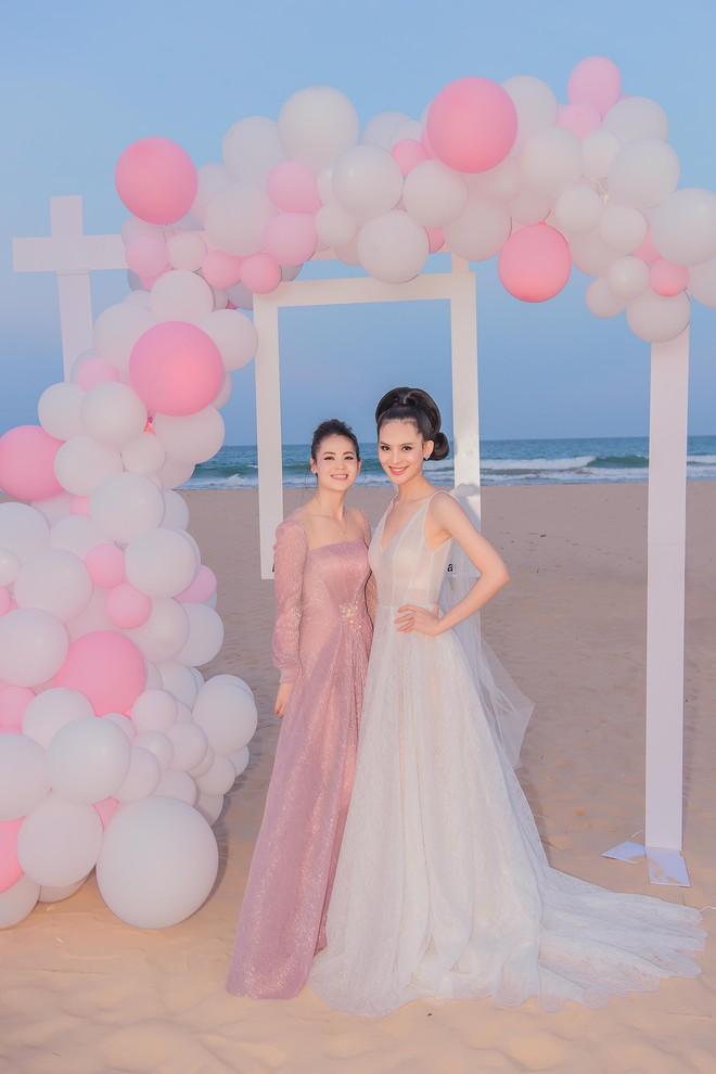 Người đẹp Sang Lê đón sinh nhật sang chảnh trên bờ biển ở Phú Yên - ảnh 6
