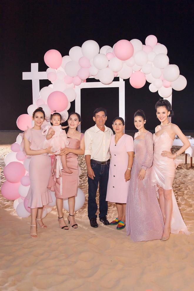 Người đẹp Sang Lê đón sinh nhật sang chảnh trên bờ biển ở Phú Yên - ảnh 7