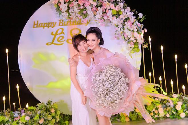 Người đẹp Sang Lê đón sinh nhật sang chảnh trên bờ biển ở Phú Yên - ảnh 8