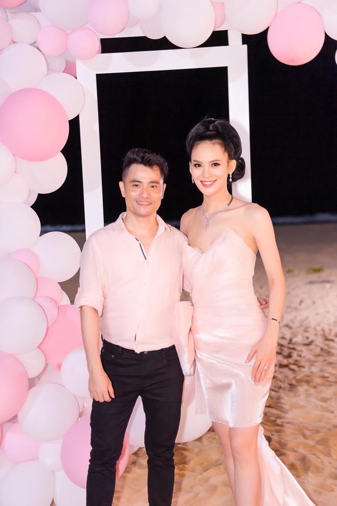 Người đẹp Sang Lê đón sinh nhật sang chảnh trên bờ biển ở Phú Yên - ảnh 10