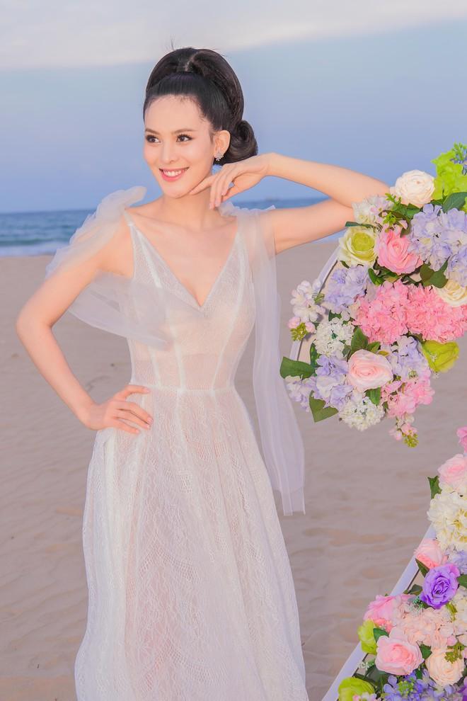 Người đẹp Sang Lê đón sinh nhật sang chảnh trên bờ biển ở Phú Yên - ảnh 5