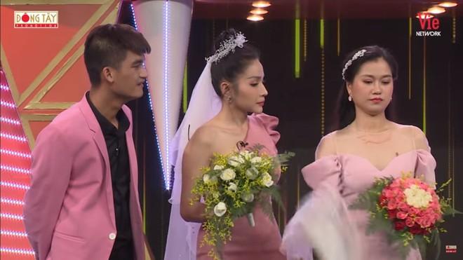 Lâm Vỹ Dạ đòi bỏ về khi tình cũ Anh Đức cầu hôn trên sóng truyền hình - Ảnh 5.
