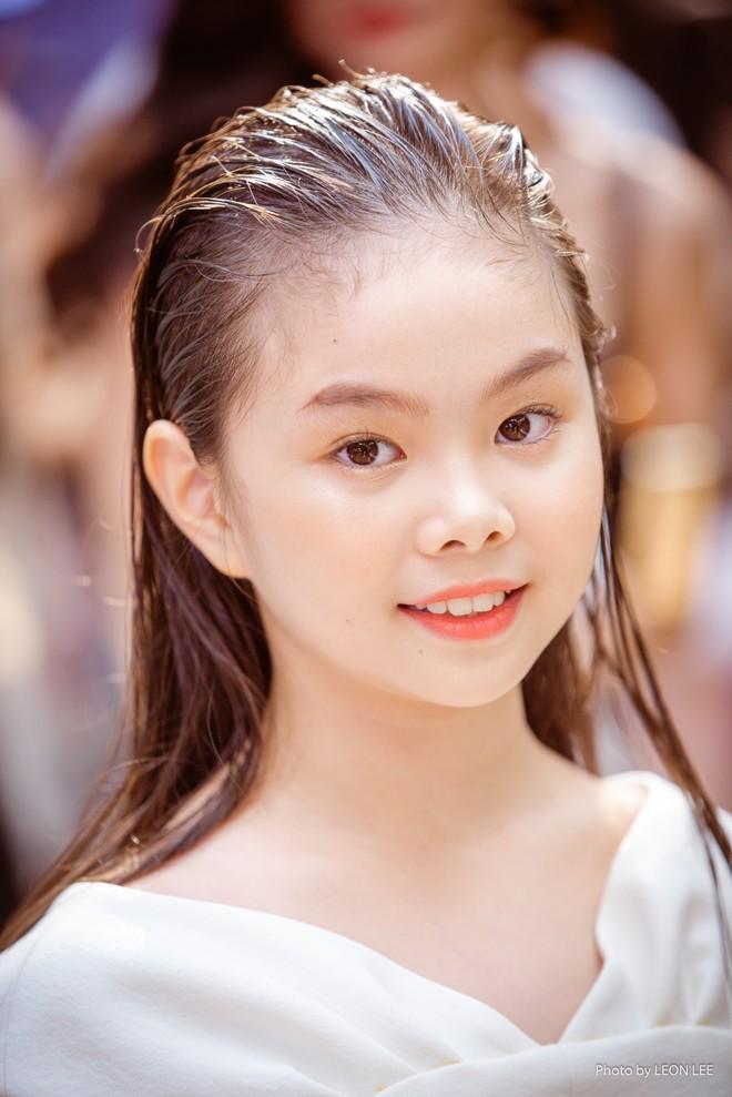 Mẫu nhí Chíp Măng, Trà My tỏa sáng tại show thời trang có Mai Phương Thúy, Tú Anh - Ảnh 5.