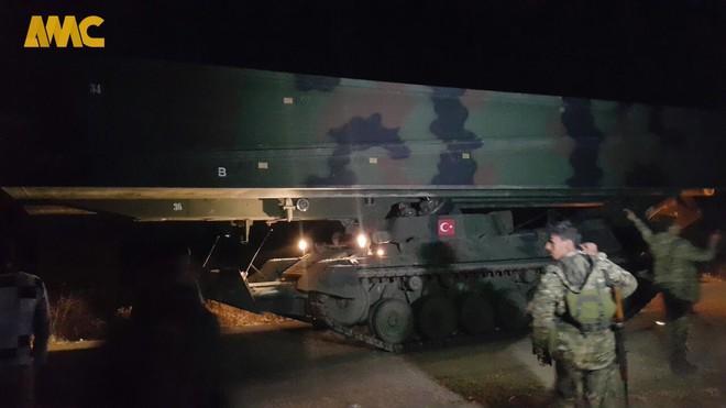 CẬP NHẬT: Biến lớn, chiến trường thay đổi chóng mặt - QĐ Syria thần tốc chiếm nhiều địa bàn chiến lược - Ảnh 35.