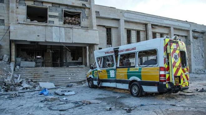 New York Times tố cuộc tấn công đáng sợ: Quân Nga giội bom tan tành 4 bệnh viện Syria trong 12 giờ? - Ảnh 2.