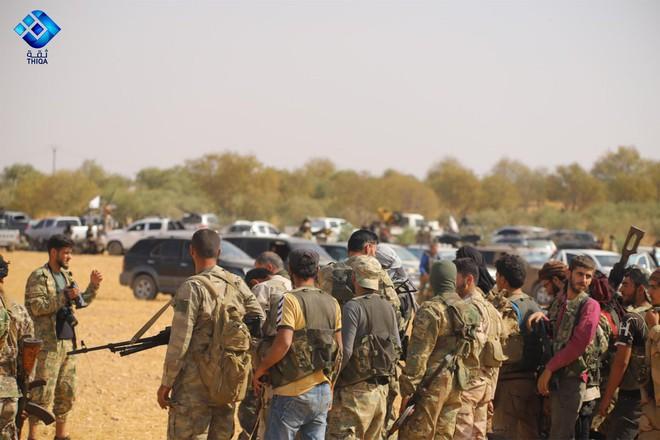 CẬP NHẬT: Biến lớn, chiến trường thay đổi chóng mặt - QĐ Syria thần tốc chiếm nhiều địa bàn chiến lược - Ảnh 6.