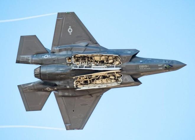 Tiêm kích F-35 bắn nhầm UAV tàng hình đắt tiền XQ-58A Valkyrie khi luyện tập? - ảnh 11