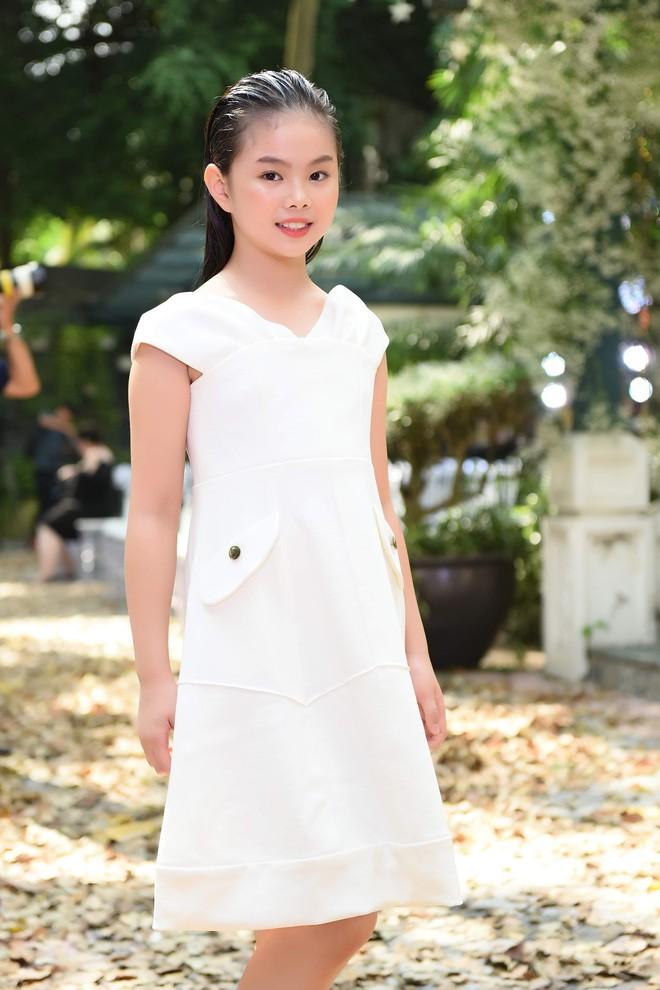 Mẫu nhí Chíp Măng, Trà My tỏa sáng tại show thời trang có Mai Phương Thúy, Tú Anh - ảnh 4