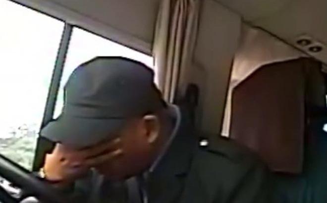 Tài xế đuổi hết hành khách xuống xe, nguyên nhân đằng sau vô cùng cảm động