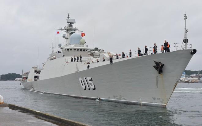 Tàu 015-Trần Hưng Đạo: Vững vàng bám biển