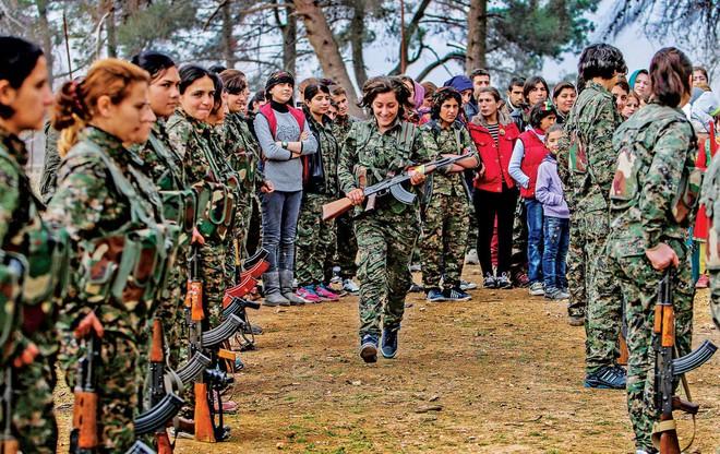 Đừng truy cùng giết tận, 5.000 nữ chiến binh Kurd đã sẵn sàng tử chiến: Thảm kịch Syria? - Ảnh 4.
