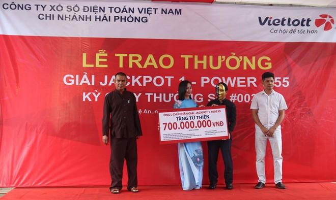Người đàn ông Nghệ An trúng Vietlott Jackpot hơn 80 tỷ đồng - Ảnh 2.