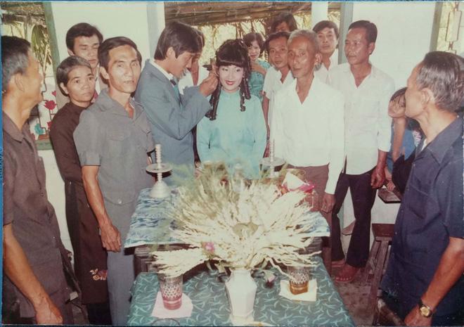 31 năm trước uống một cốc nước mía bên đường, người đàn ông mê luôn cô bán hàng, diễn một cú lừa rồi thành công cưới về làm vợ - ảnh 4