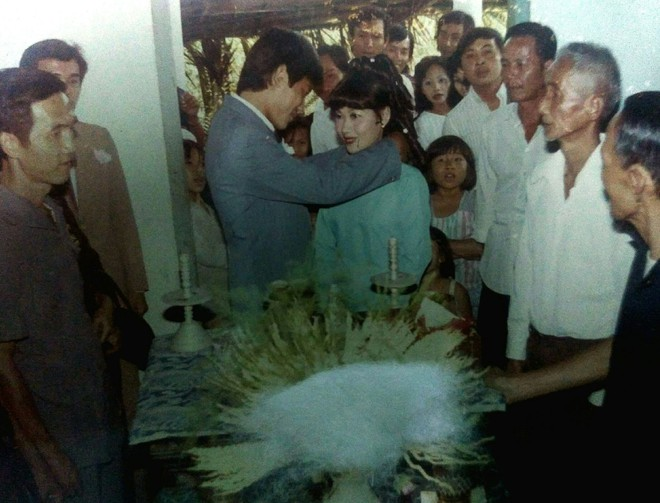 31 năm trước uống một cốc nước mía bên đường, người đàn ông mê luôn cô bán hàng, diễn một cú lừa rồi thành công cưới về làm vợ - ảnh 5