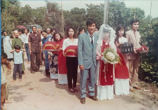31 năm trước uống một cốc nước mía bên đường, người đàn ông mê luôn cô bán hàng, diễn một cú lừa rồi thành công cưới về làm vợ - ảnh 6