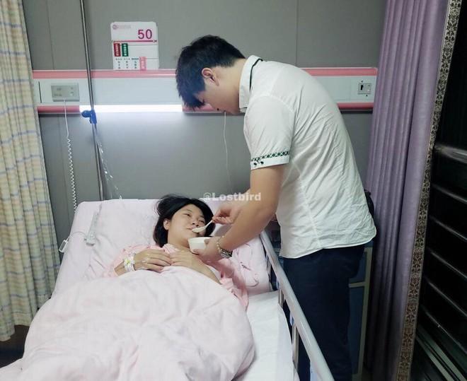 Vợ sắp sinh gọi điện, chồng không thể về vì đang cấp cứu bệnh nhân và cái kết không ai ngờ - ảnh 4