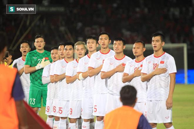 Đánh bại cả Malaysia lẫn Indonesia, ĐT Việt Nam thăng tiến trên BXH FIFA - Ảnh 1.