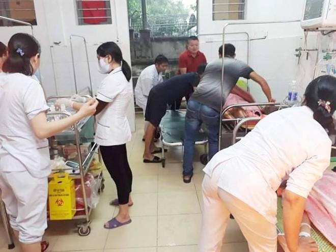 Sét đánh trúng 5 nữ sinh trên đường đi học về nhà - Ảnh 1.
