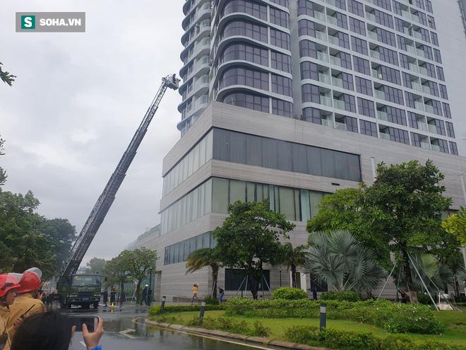 Xe quái thú Rosenbauer Panther trị giá 1 triệu USD, máy bay trực thăng diễn tập chữa cháy ở Đà Nẵng - Ảnh 9.