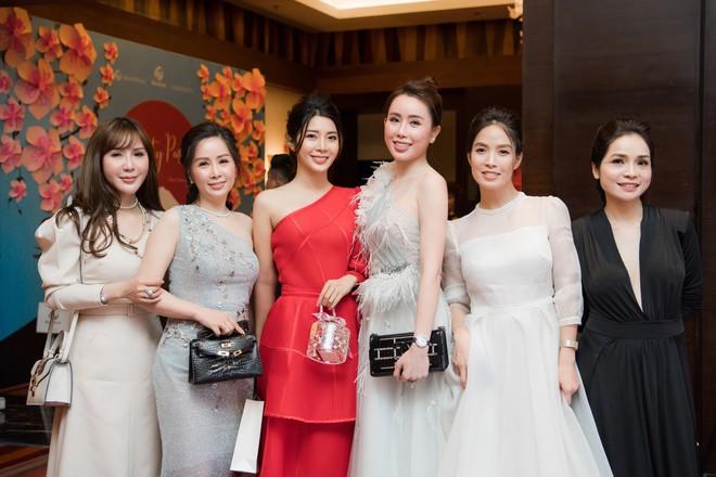Á hậu Yan My đọ sắc cùng vợ ca sĩ Tuấn Hưng - Ảnh 4.