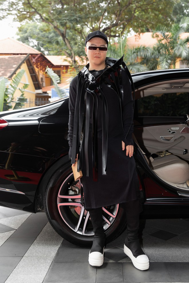 Ninh Dương Lan Ngọc gây chú ý khi xuất hiện trên siêu xe 16 tỷ đồng - Ảnh 12.