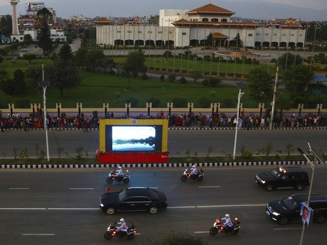 Âm thầm quảng cáo cho siêu xe Quái thú Made in China: Chủ tịch Tập Cận Bình muốn gì? - Ảnh 1.