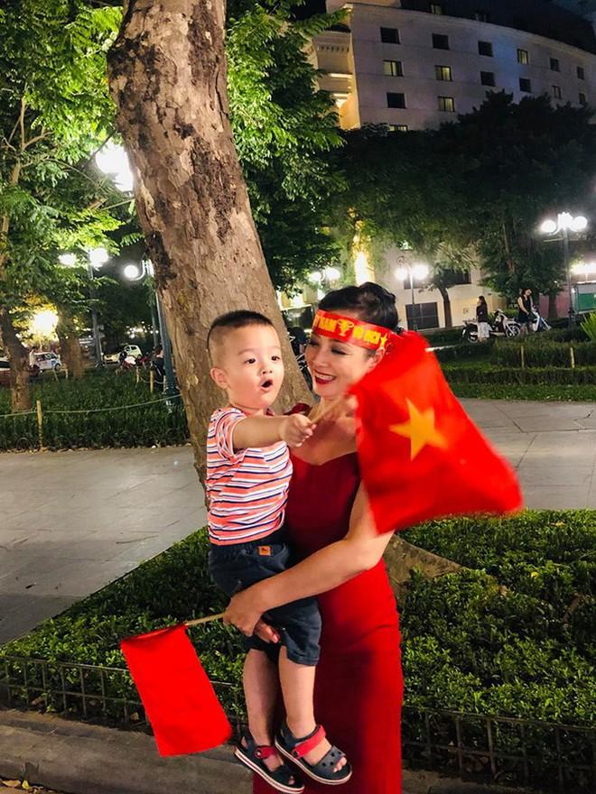 Nhiều sao Việt được phong 'thánh dự đoán tỉ số' khi Việt Nam thắng Indonesia - ảnh 11