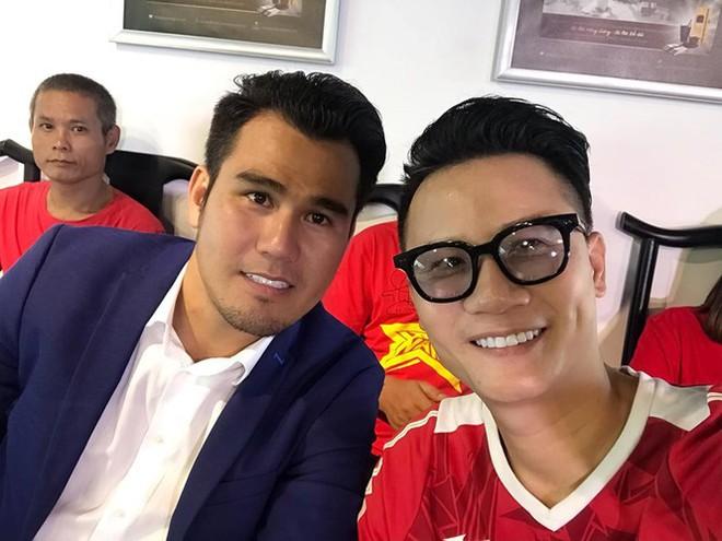 Nhiều sao Việt được phong 'thánh dự đoán tỉ số' khi Việt Nam thắng Indonesia - ảnh 3