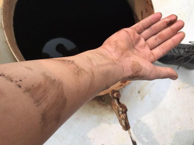 Cư dân chung cư HH Linh Đàm đổ bỏ nước cấp miễn phí vì có mùi tanh - Ảnh 8.
