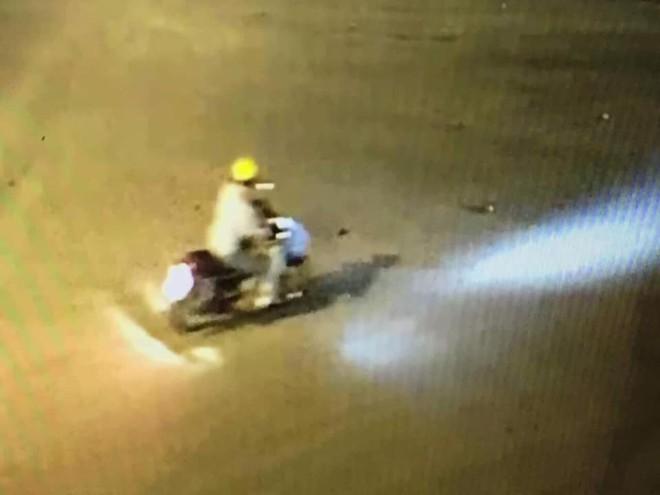 Lộ diện đoạn video xuất hiện nghi phạm sát hại dã man bảo vệ BHXH ở Nghệ An - Ảnh 2.