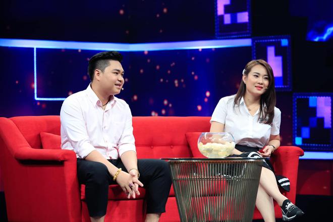 Chân dung người mẹ có 2 con riêng, hơn 8 tuổi vẫn được con trai Lê Giang yêu say đắm - Ảnh 1.