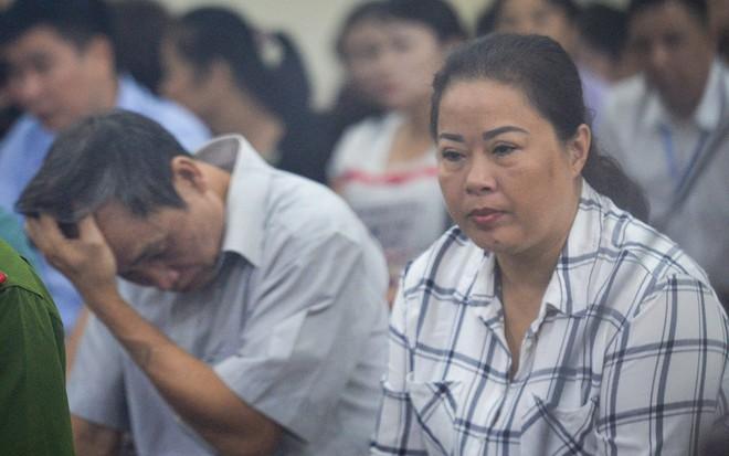 Chủ tọa xử gian lận điểm thi ở Hà Giang: Không biết mà điểm tăng vù vù, nói phải có tính thuyết phục - Ảnh 2.