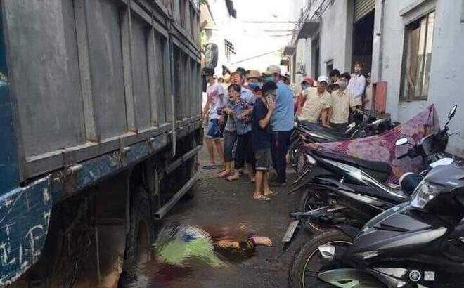 Đang quét rác, nữ tạp vụ bị xe tải cán chết thương tâm trong công ty