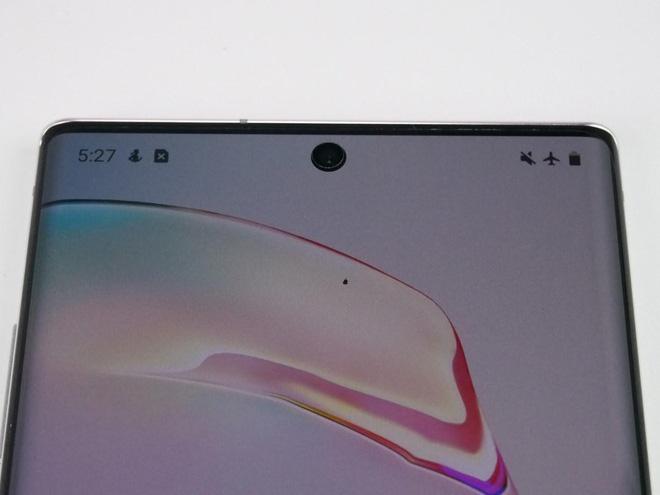 Samsung sẽ ra mắt smartphone với camera dưới màn hình vào năm sau - Ảnh 2.