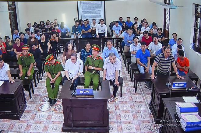 Chủ tọa xử gian lận điểm thi ở Hà Giang: Không biết mà điểm tăng vù vù, nói phải có tính thuyết phục - Ảnh 5.