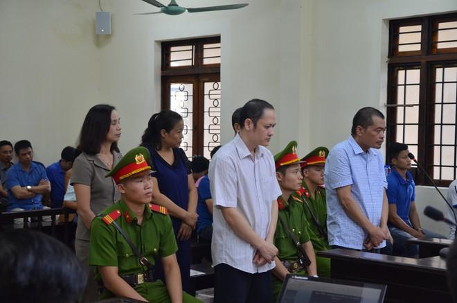 Nóng: Bị cáo vụ gian lận điểm thi ở Hà Giang bị đề nghị mức án cao nhất đến 9 năm tù - Ảnh 3.