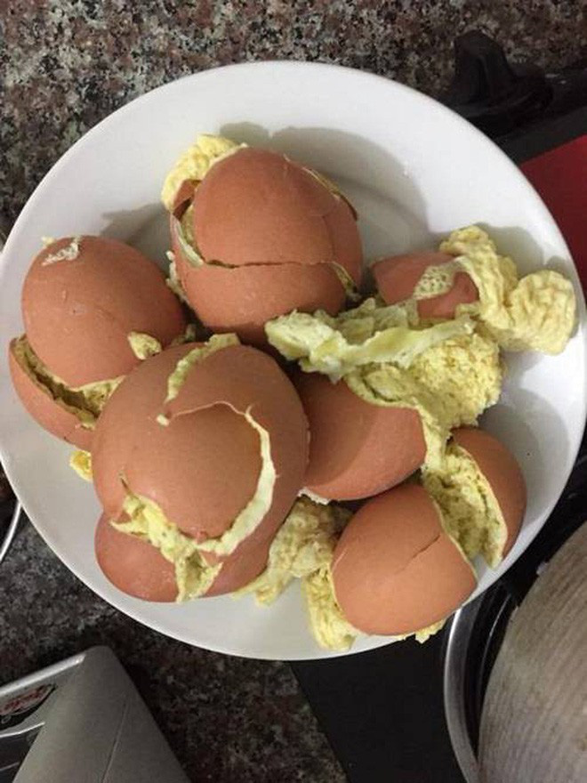 Cô gái học theo trên mạng làm món trứng hấp và cái kết khiến nhiều người chỉ muốn 'buông bát đũa' - ảnh 5